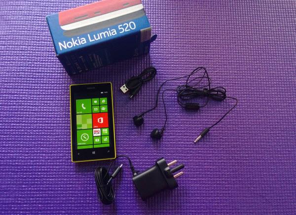 Lumia-520-Inside-the-Box