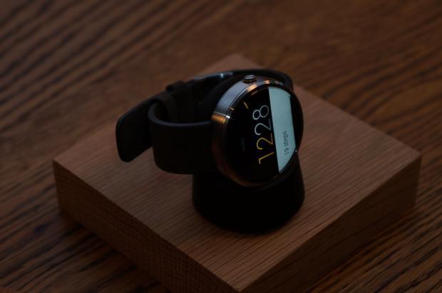Moto 360 Chargin Dock is a future