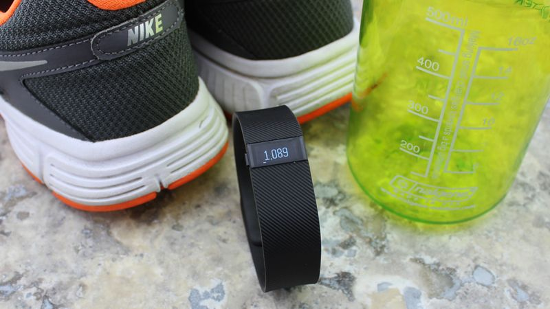 Fitbit Charge Review : A Powerful Activity tracker(fitbit-chargeacivity-tracking