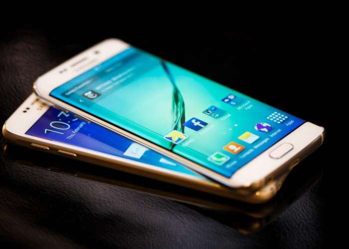 Samsung Galaxy S6 Vs Samsung Galaxy S6 Edge - The Two siblings