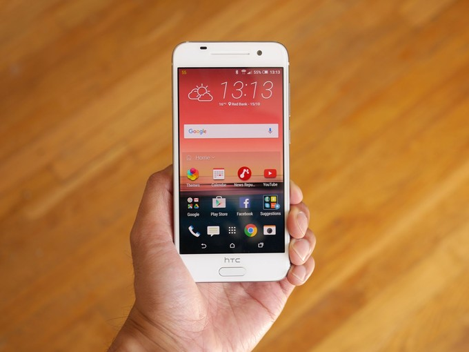 HTC One A9 display with AMOLED