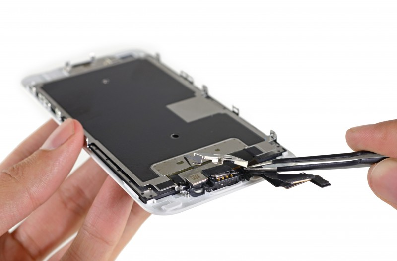 Tearing down iPhone 6S other details