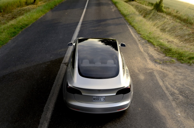 Tesla Model 3 has top and rear made of One single Glass peice