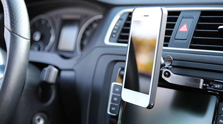best iphone car mount accessories mobilesiri. Black Bedroom Furniture Sets. Home Design Ideas